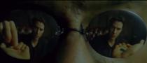 Neo din Matrix alege pastila roșie