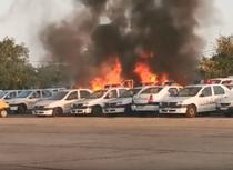 Masini de politie in flacari