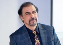 Medicul oftalmolog Calin Tataru