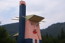 statuie Trump in Slovenia