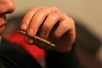 Tineri cu marijuana