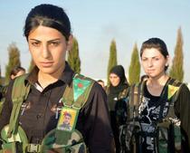 luptătoare kurde YPG