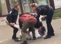 politisti ajutati de trecatori