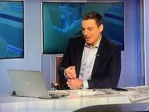 Mircea Badea rade in emisiune