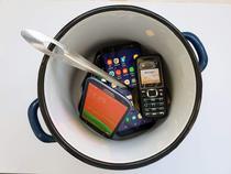 Smartphone-uri si telefoane simple