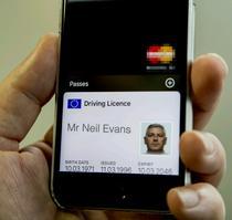 Permis digital de conducere pe un smartphone