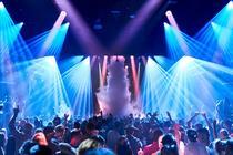 În club