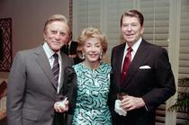 Kirk Douglas alaturi de Ronald Reagan
