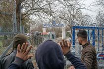 refugiatii de la granita cu Grecia