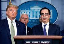 Donald Trump si Steven Mnuchin