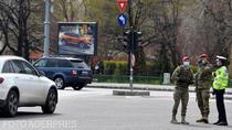 Militari si politisti pe strada in Capitala