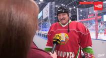 Presedintele Belarusului, la un meci de hochei pe gheata