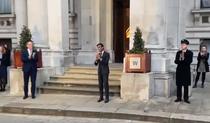 Dominic Raab aplaudand angajatii din sanatate