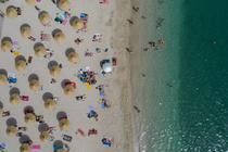 Plaja Alimos din Grecia după redeschidere