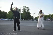 Protestatari în Piata Victoriei