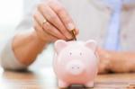 Peste 8 milioane de plicuri verzi vor ajunge la participanții care contribuie la fondurile de pensii private
