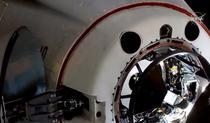 Momentul in care capsula SpaceX se cupleaza cu ISS
