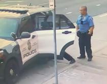 lupta politistilor cu Floyd