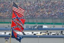 Steagul confederat la o cursa NASCAR