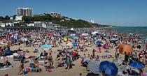 Plaje inundate de oameni in Anglia