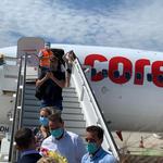 Turisti straini sositi in Burgas, Bulgaria