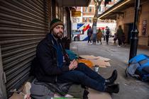 Homeless roman in Londra