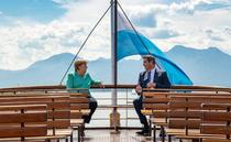 Angela Merkel si Markus Soder pe malul lacului Chiemsee