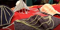 masti decorate cu bijuterii India