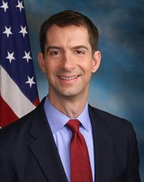 Senatorul Tom Cotton