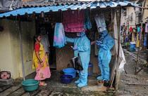 Testare coronavirus in Mumbai