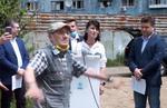 Barbatul care a bruiat conferinta de presa a PNL Bucuresti