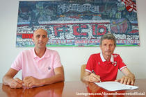 Gheorghe Multescu, semnand noul contract