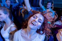 Petreceri in cluburi