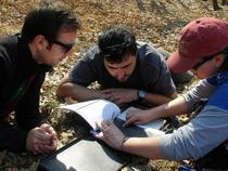 Echipa de arheologi la lucru
