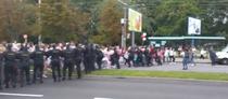 Femeile vs fortele de ordine din Belarus