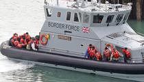 Migranti salvati in Canalul Manecii