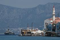 Insula grecia aproape de turcia