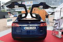 Masina Tesla Model X
