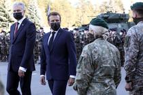 Emmanuel Macron vizitand soldatii NATO din Lituania