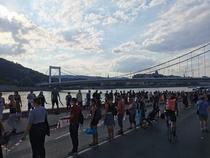 Lant uman la Budapesta (sursa foto-twitter)