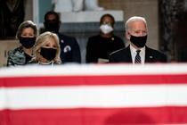 Joe Biden alaturi de sotia sa