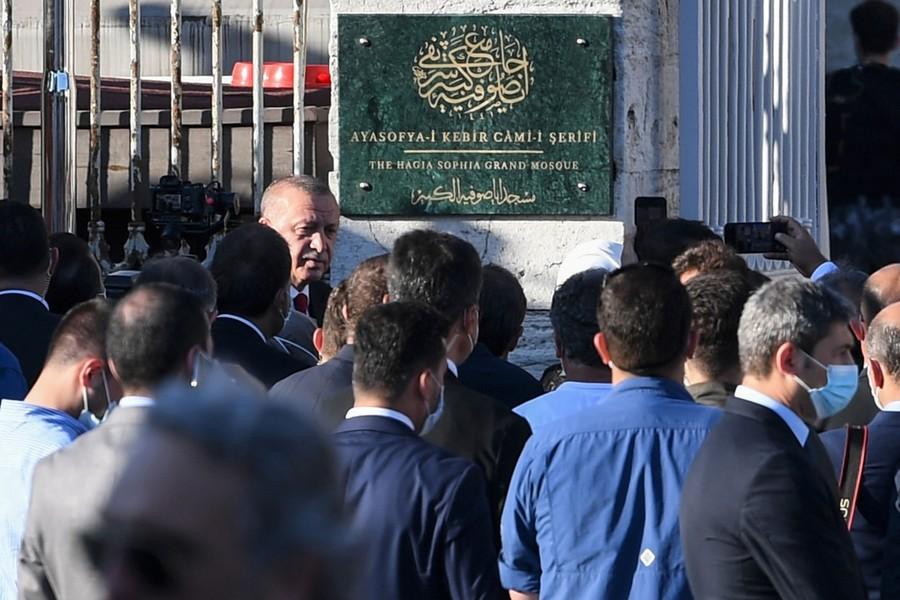 image-2020-10-28-24381496-70-erdogan-fat