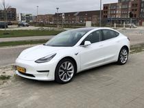 Masina Tesla Model 3