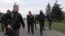 Lukasenko alaturi de fortele de securitate
