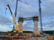 Se ridica pilonii Podului de la Brăila