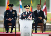Generalul Curtis Scaparrotti la predarea comenzii forțelor NATO din Europa