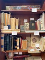 Expoziția Licitației unui Vechi Colecționar de Artă și Observator Cultural