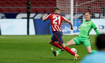 Yannick Carrasco vs Marc-Andre Ter Stegen