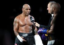 Mike Tyson vs Roy Jones Jr.(4)