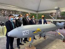 Orban si Ciucă, lângă drona Hermes 450
